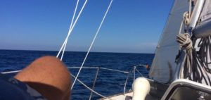 Sailing to Roatan